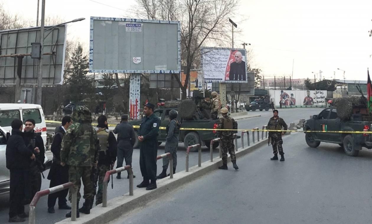 Αφγανιστάν: Επίθεση ενόπλων σε στρατιωτικό νοσοκομείο στην Καμπούλ