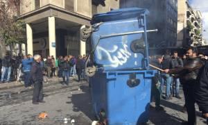 Αγρότες στην Αθήνα: Καρέ – καρέ τα επεισόδια έξω από το υπουργείο Αγροτικής Ανάπτυξης (pics)