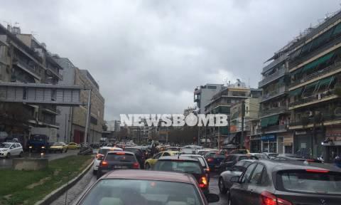 Καιρός - Η «Γαλάτεια» σκέπασε την Αθήνα - Πού παρατηρείται κυκλοφοριακό χάος (Pics)