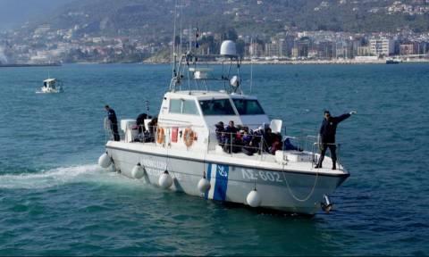 Τέσσερις συλλήψεις για τη διακίνηση μεταναστών που διασώθηκαν ανοικτά των Παξών