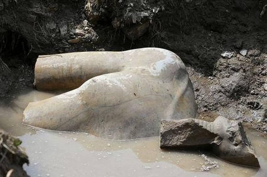 Μεγάλη ανακάλυψη: Στο «φως» κολοσσιαίο άγαλμα του Ραμσή του Μέγα (pics)