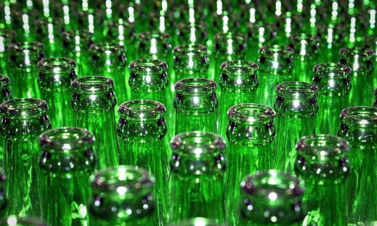 Ο απίστευτος λόγος που τα μπουκάλια της μπύρας είναι πράσινα και καφέ!