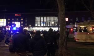 Συναγερμός στη Γερμανία: Επίθεση άνδρα με τσεκούρι σε σταθμό τρένων (pics+vid)