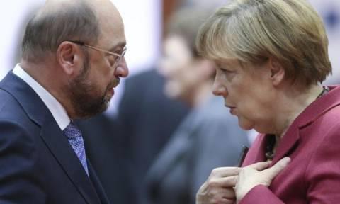 Εκλογές Γερμανία: Στήθος με στήθος Μέρκελ με Σουλτς