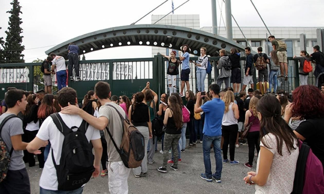 Πανελλαδικές 2017: Εξετάζεται η επαναφορά των επαναληπτικών εξετάσεων