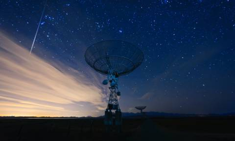 «Βόμβα» από καθηγητή του Χάρβαρντ: Η ανθρωπότητα δέχτηκε σημάδια εξωγήινης ύπαρξης και τα αγνόησε