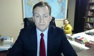 Συνέντευξη καθηγητή στο BBC με... ξεκαρδιστική εισβολή των παιδιών του! (vid)