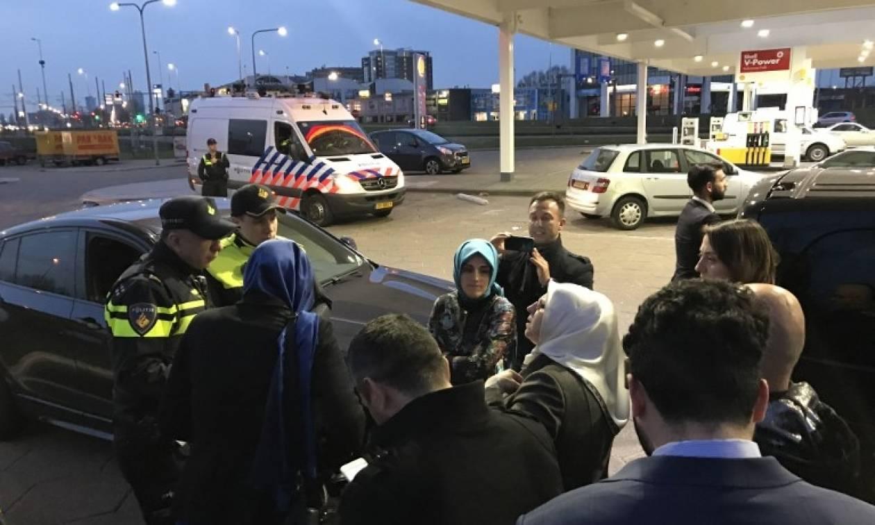 Νέο διπλωματικό επεισόδιο: «Μπλόκο» Ολλανδών αστυνομικών σε Τουρκάλα υπουργό στα σύνορα