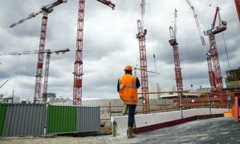 Γαλλία: Οι εργάτες στις οικοδομές του Παρισιού θα μιλάνε μόνο γαλλικά