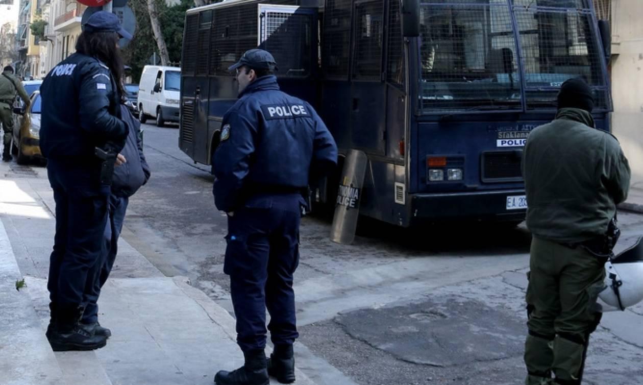 Αστυνομική επιχείρηση εκκένωσης κτηρίων υπό κατάληψη σε Ζωγράφου και Αθήνα