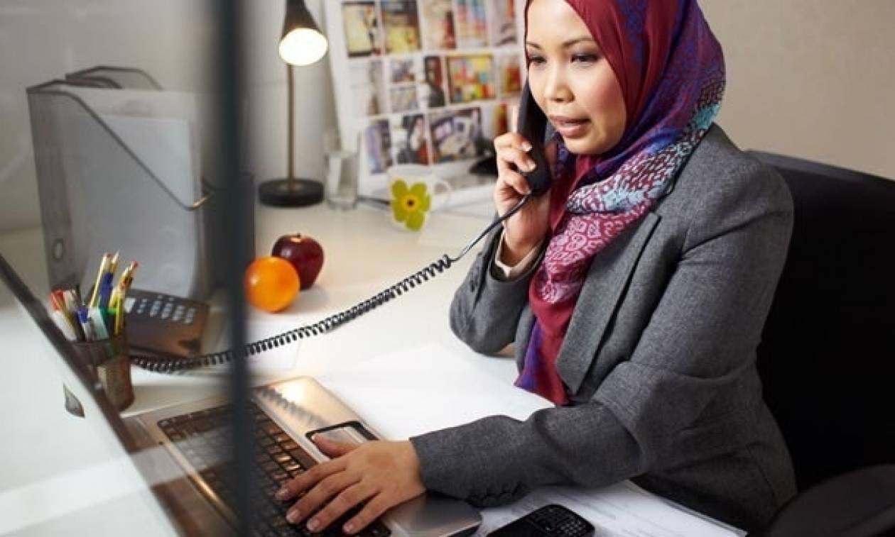 Απόφαση-βόμβα από το Ευρωπαϊκό Δικαστήριο: Απαγορεύεται η ισλαμική μαντίλα σε χώρους εργασίας