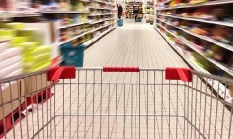 «Ακριβά μου ράφια»: Στα ύψη οι τιμές των προϊόντων, στα «τάρταρα» οι μισθοί!