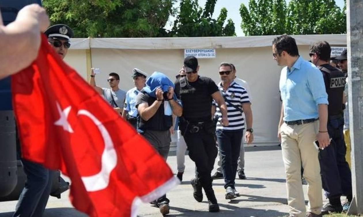 Άφαντοι οι Τούρκοι κομάντος που ζήτησαν άσυλο στην Ελλάδα