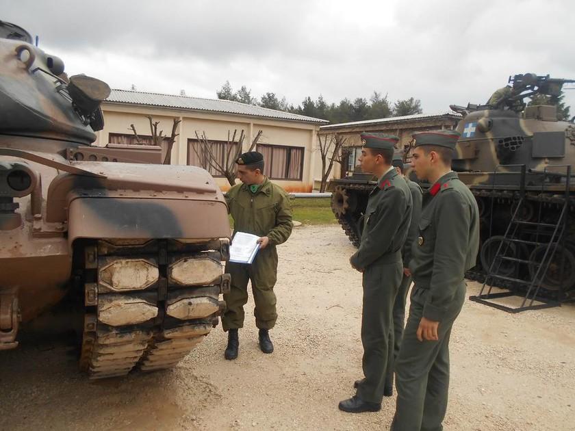 Επίσκεψη Σχολής Μονίμων Υπαξιωματικών στο Κέντρο Εκπαίδευσης Τεθωρακισμένων (pics)
