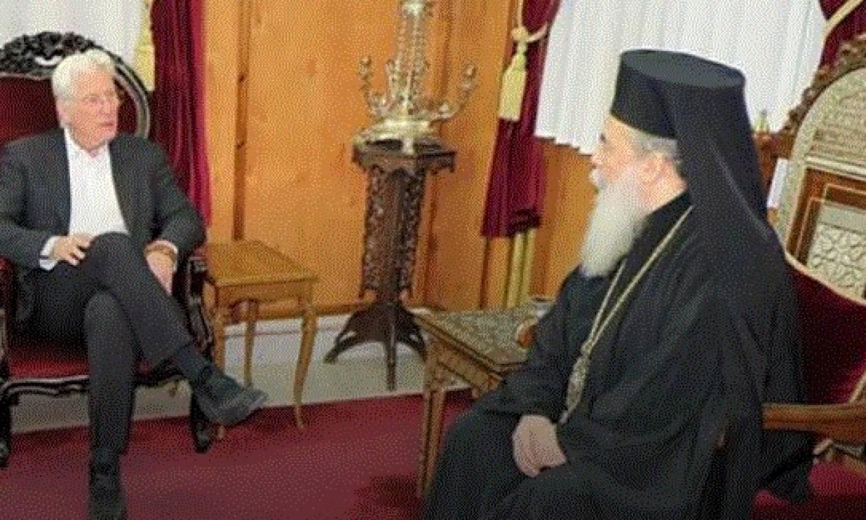 Με τον Ρίτσαρντ Γκιρ συναντήθηκε ο πατριάρχης Ιεροσολύμων (video)
