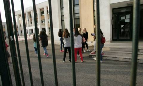 Ο Γαβρόγλου καταργεί τις Πανελλήνιες: «Με το βαθμό του απολυτηρίου η εισαγωγή στο Πανεπιστήμιο»