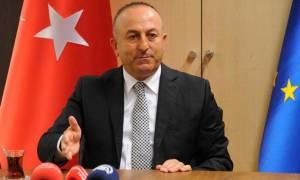 Επιμένει ο Τσαβούσογλου: Η Τουρκία μπορεί να ακυρώσει την συμφωνία για το προσφυγικό
