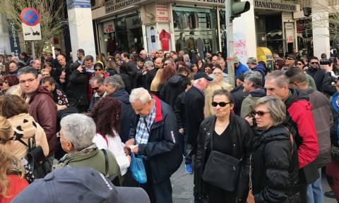 Πορεία της Εθνικής Ομοσπονδίας Τυφλών στο κέντρο της Αθήνας (pics+vid)