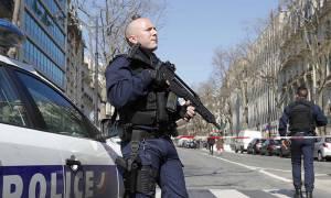 Ξύπνησαν εφιαλτικές μνήμες στη Γαλλία: Πυρoβολισμοί με τραυματίες σε Λύκειο (vids+pics)
