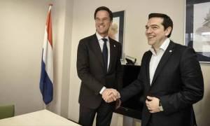 Ципрас поздравил Рютте с победой его партии НПСД на парламентских выборах