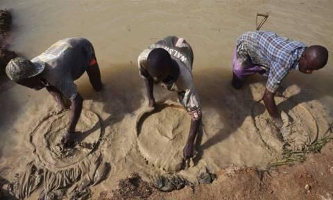 Σιέρα Λεόνε: Πάστορας ανακάλυψε ένα από τα μεγαλύτερα διαμάντια του κόσμου!