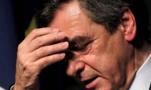 Γαλλία: Έρευνα σε βάρος του Φιγιόν και για... πανάκριβα κοστούμια