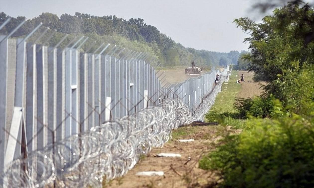 Προσφυγικό: Οι Ούγγροι στήνουν και δεύτερο φράχτη στα σύνορα με τη Σερβία