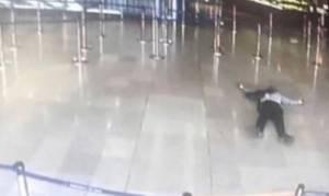 Ένοπλη επίθεση αεροδρόμιο Ορλί - Παρίσι: Η πρώτη φωτογραφία του νεκρού ένοπλου τζιχαντιστή
