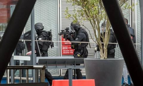 Ο δράστης της επίθεσης στο Ορλί είχε νωρίτερα πυροβολήσει αστυνομικό κατά τη διάρκεια ελέγχου