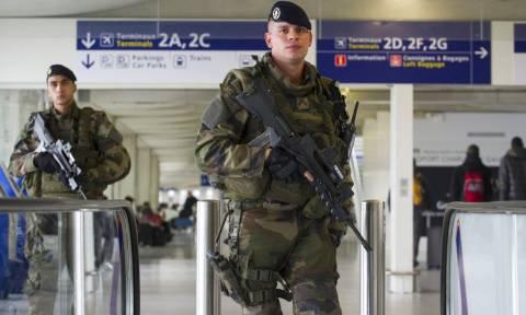 Επίθεση Γαλλία: Κλειστός έως το βράδυ ο νότιος τερματικός σταθμός του αεροδρομίου Ορλί
