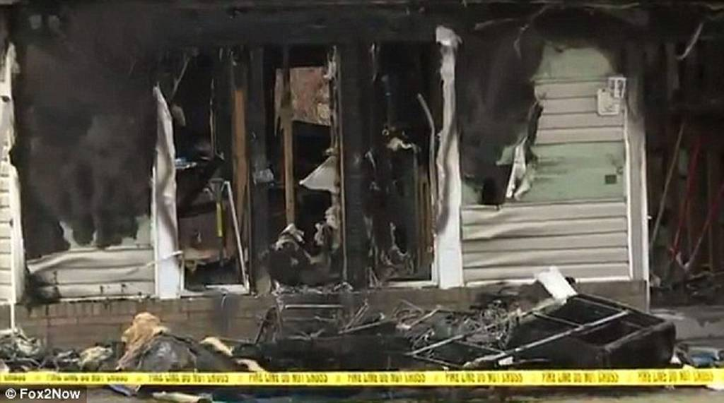 Οικογενειακή τραγωδία-μυστήριο: Ο πατέρας νεκρός από σφαίρα, η μητέρα πνίγηκε και το σπίτι κάηκε