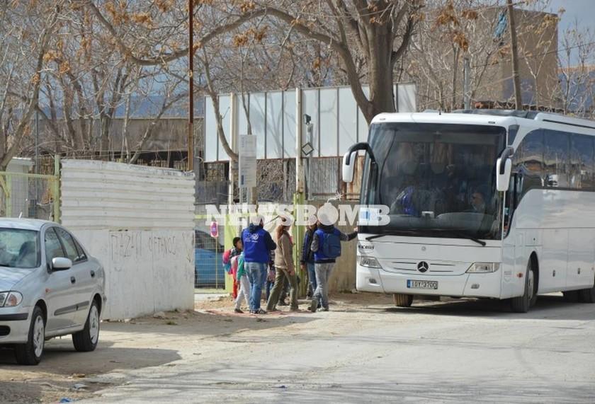 Το Newsbomb.gr στον Ελαιώνα: Οι πρόσφυγες ήρθαν για να... μείνουν
