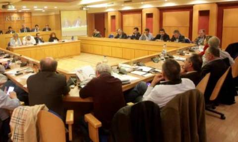 ΚΕΔΕ: Όχι στην ευνοϊκή μεταχείριση των δημάρχων για το συνταξιοδοτικό