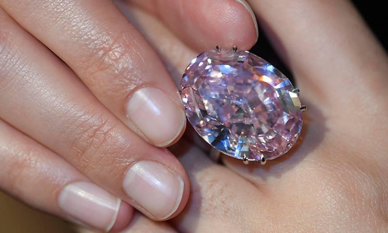 Βγαίνει σε δημοπρασία και πάει για ρεκόρ τo διαμάντι «Pink Star ... 7d0f29146a6