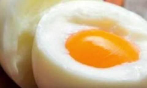 Δείτε τι θα συμβεί στο σώμα σας αν τρώτε καθημερινά τρία αυγά (video)