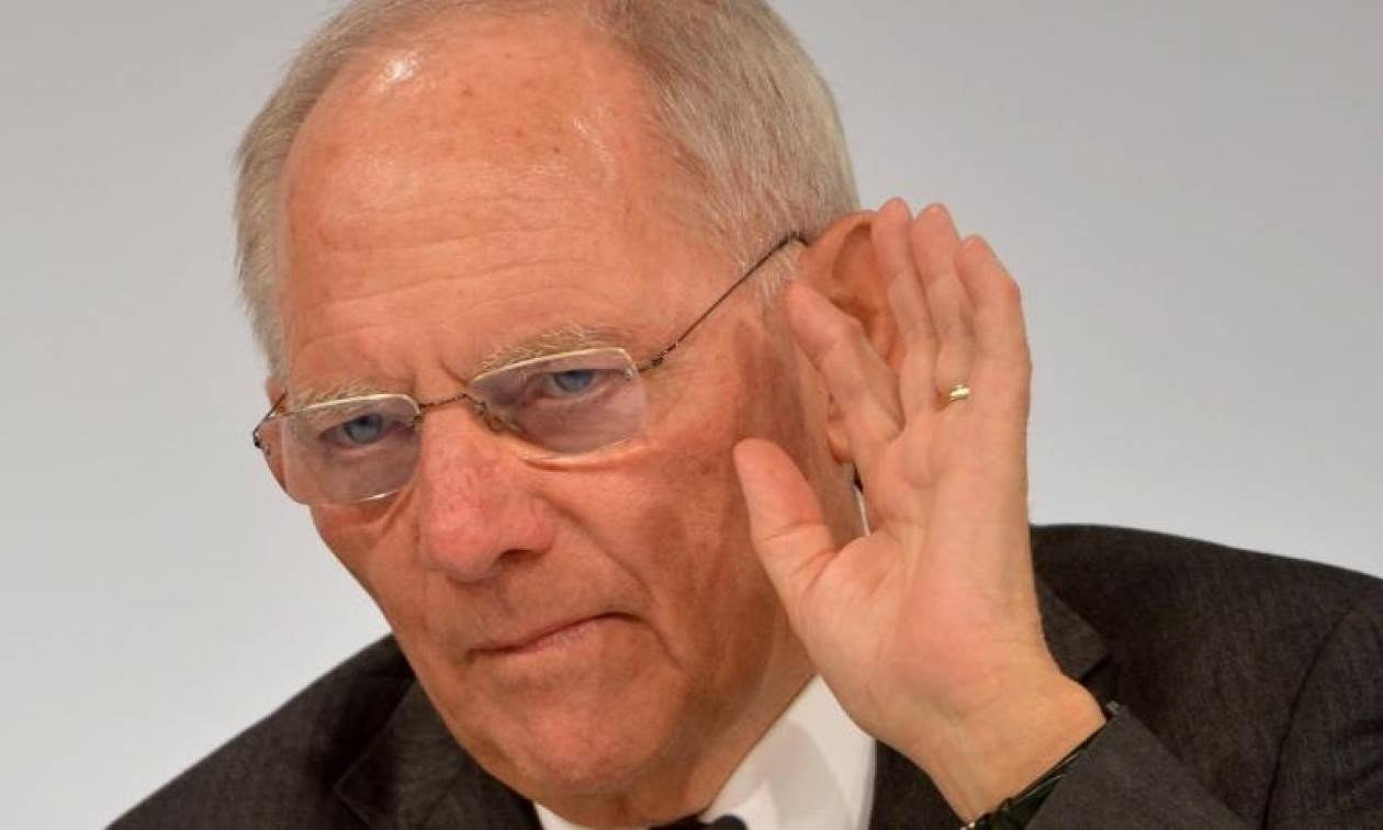 Die Welt: «Ωρολογιακή βόμβα» η επιμονή Σόιμπλε για συμμετοχή του ΔΝΤ στο ελληνικό πρόγραμμα