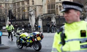 Συγκλονιστικό βίντεο: Η στιγμή των πυροβολισμών έξω από το βρετανικό κοινοβούλιο