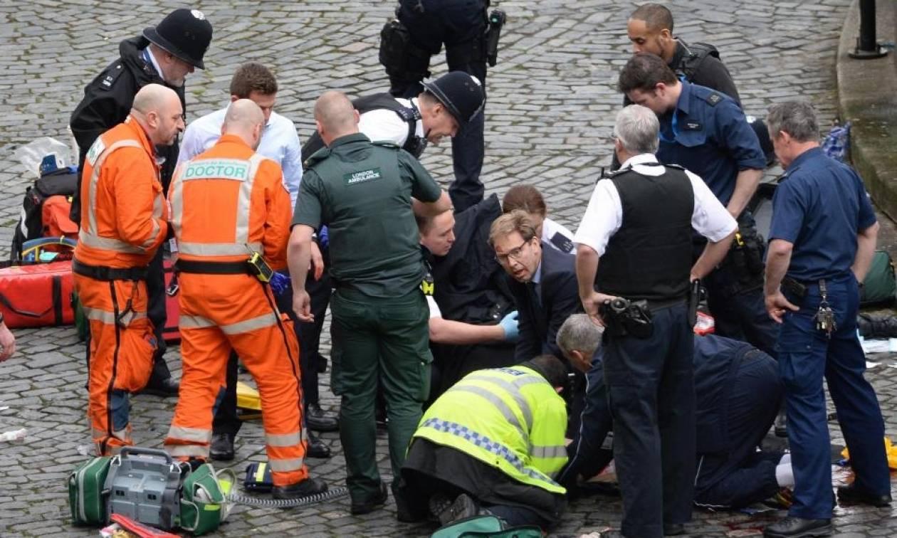 Επίθεση Λονδίνο: Το χρονικό του τρόμου – Συγκλονιστικές φωτογραφίες και βίντεο (Live εικόνα)
