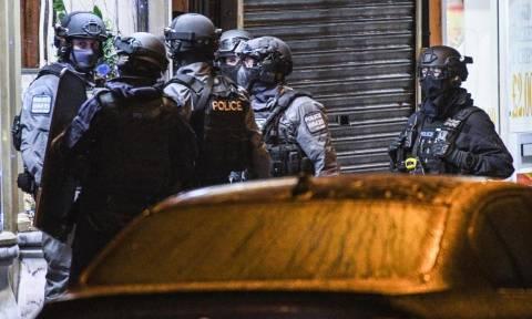 Επίθεση Λονδίνο – Η επόμενη μέρα: Τέσσερις συνολικά οι νεκροί και επτά οι συλλήψεις (Vid)