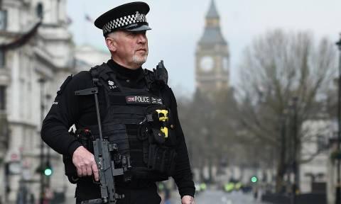 Επίθεση Λονδίνο: Βρετανός ο τρομοκράτης – Τον παρακολουθούσαν στο παρελθόν οι Αρχές