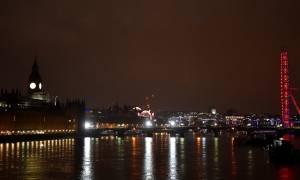 Ύποπτο πακέτο στη γέφυρα του Westminster στο Λονδίνο προκάλεσε πανικό