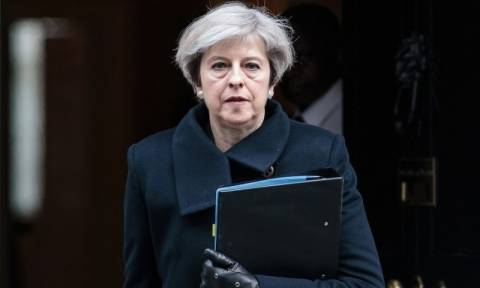 Επίθεση Λονδίνο: Έτσι φυγαδεύτηκε η πρωθυπουργός Τερέζα Μέι (vid)