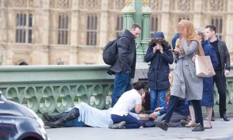 Επίθεση Λονδίνο: Όλη η αλήθεια για τη φωτογραφία της μουσουλμάνας που προκάλεσε αντιδράσεις