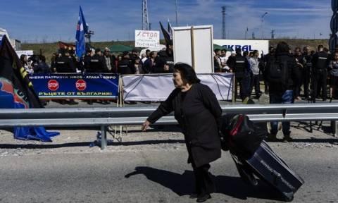 Ένταση μεταξύ Σόφιας-Άγκυρας: Βούλγαροι εθνικιστές μπλοκάρουν την είσοδο σε Τούρκους ψηφοφόρους