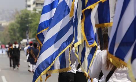 25η Μαρτίου - Θεσσαλονίκη: Εντυπωσίασαν οι μαθητές της συμπρωτεύουσας (pics)