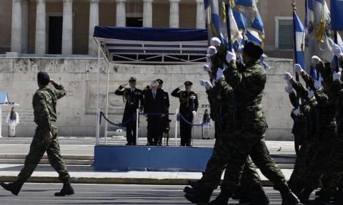 25η Μαρτίου: Μεγαλειώδης η στρατιωτική παρέλαση στο κέντρο της Αθήνας (pics&vids)
