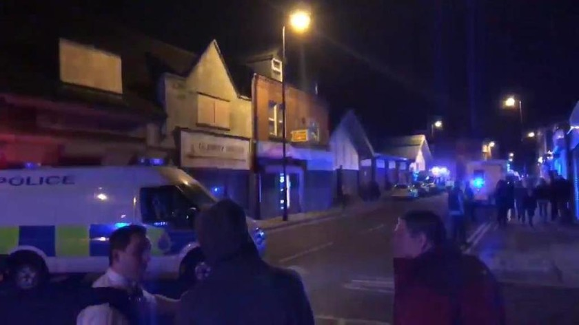 Συναγερμός στη Βρετανία: Κατέρρευσαν κτήρια από ισχυρή έκρηξη - Δεκάδες τραυματίες (pics+vid)