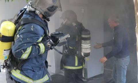 Ηράκλειο: Μεγάλη φωτιά σε κατάστημα με ηλεκτρονικά είδη