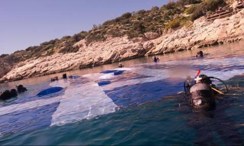 Αυτή είναι η μεγαλύτερη ελληνική «υποβρύχια» σημαία (photos)