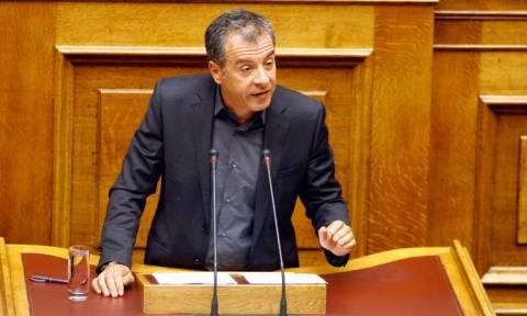 Θεοδωράκης: Τρεις λογαριασμοί στο όνομα του Παπαντωνίου και της γυναίκας του στην Ελβετία
